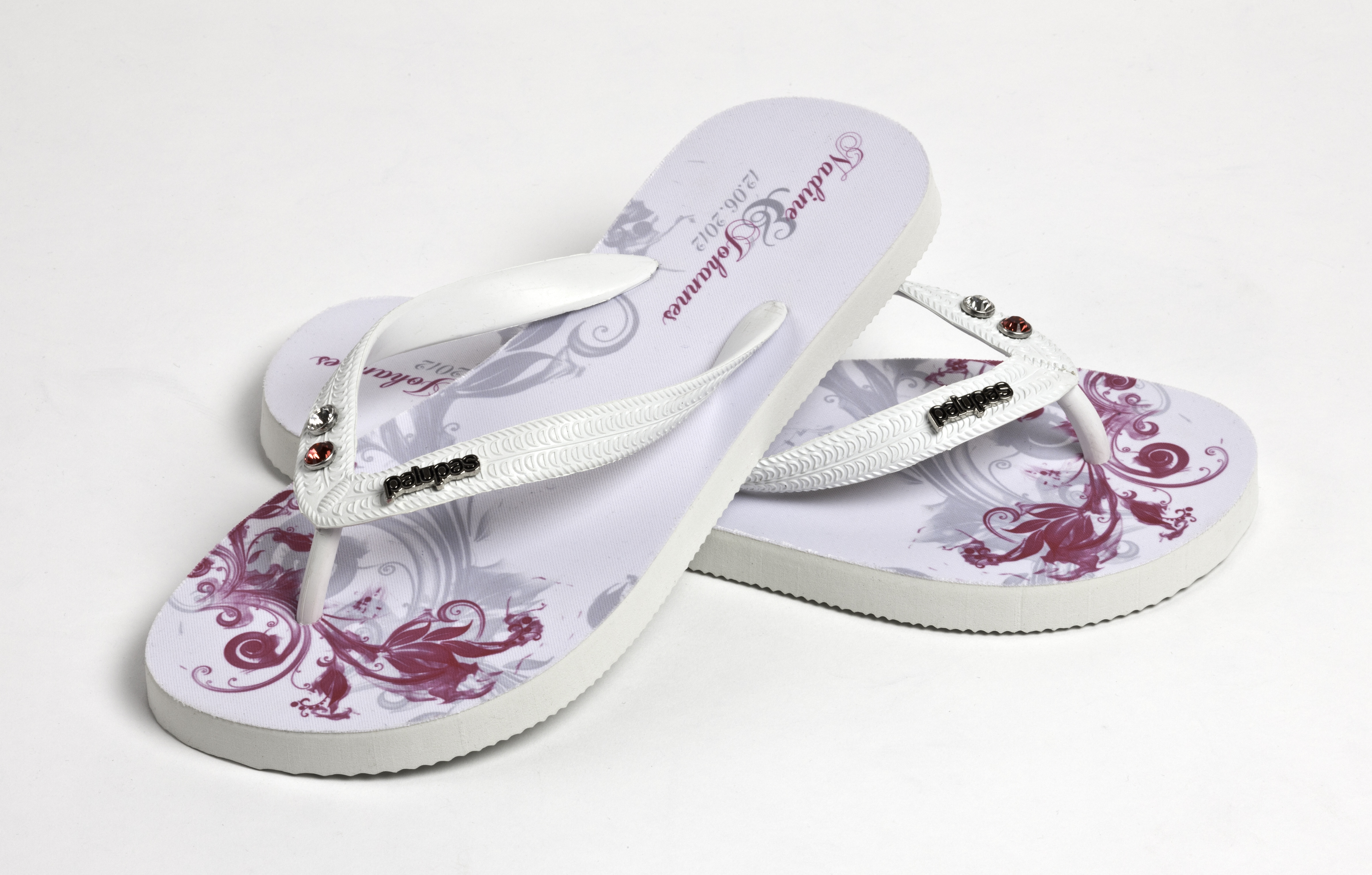 picture of graphic daisy just married flip flop sandals. Black Bedroom Furniture Sets. Home Design Ideas